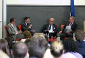 Discussion with experts from business, science and politics