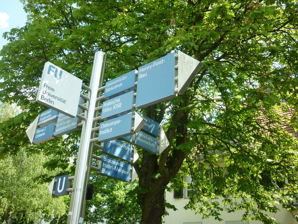 Center berlin eros Service Locator